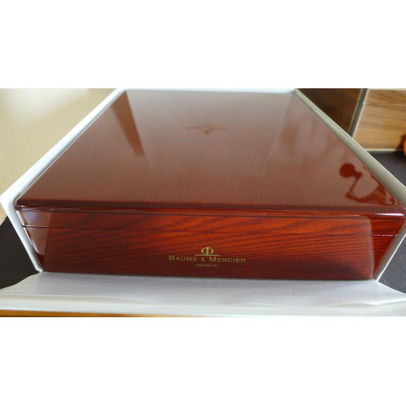 grand crin bois 4 montres baume mercier. Black Bedroom Furniture Sets. Home Design Ideas