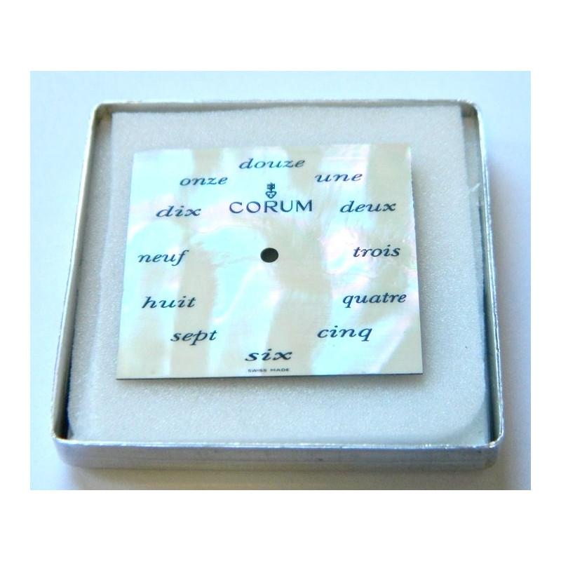Cadran carré nacré CORUM